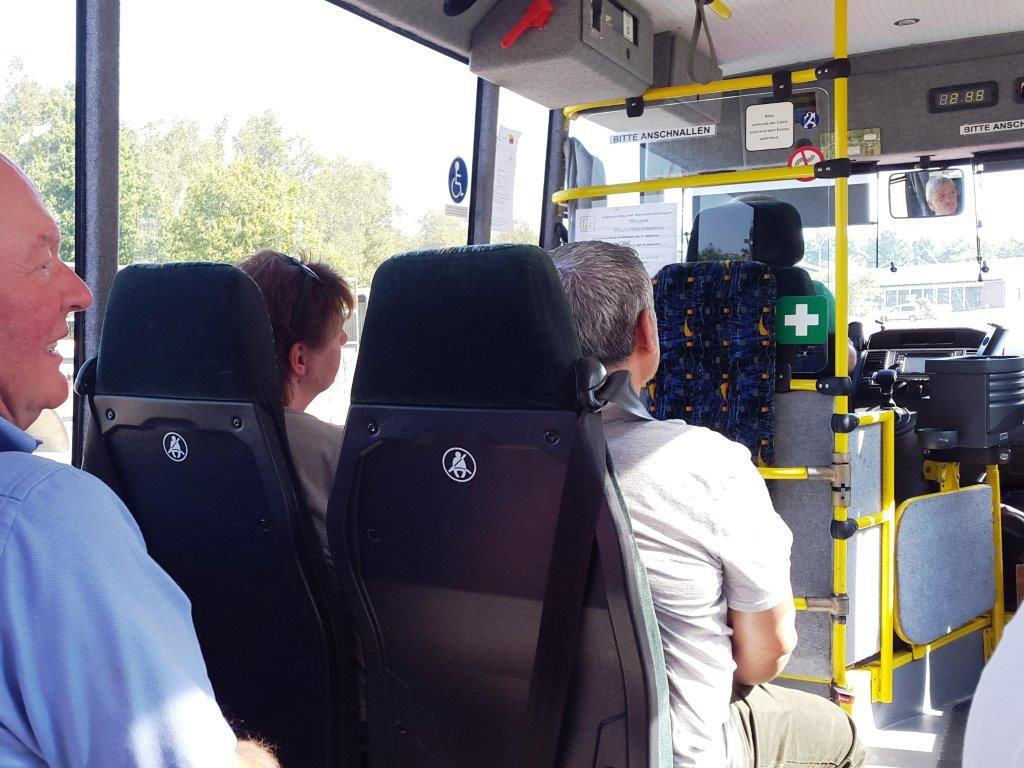 Wie sich ein solches Bremsen anfühlt, erfuhren die Teilnehmer hautnah als Fahrgäste.